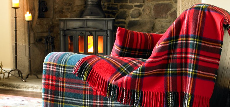 wool blanket online british made gifts red royal stewart tartan lambswool blanket. Black Bedroom Furniture Sets. Home Design Ideas